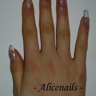 Alicenails