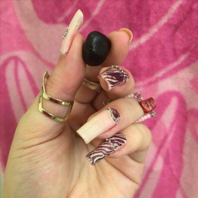maxanaxx nails